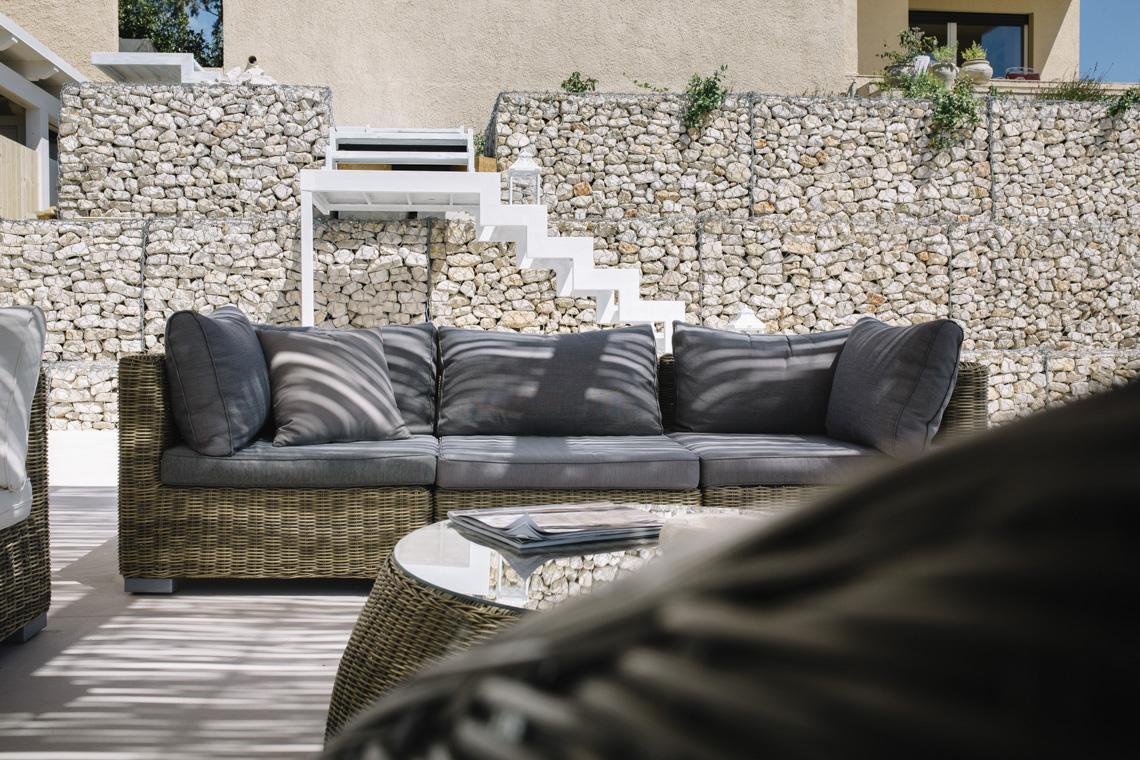stone divano grey rivista casale ville