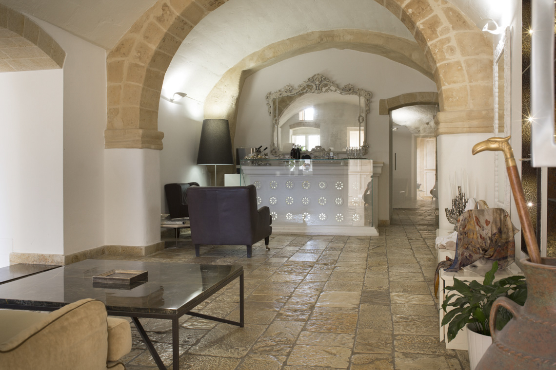 waiting-room-hotel-santangelo-matera
