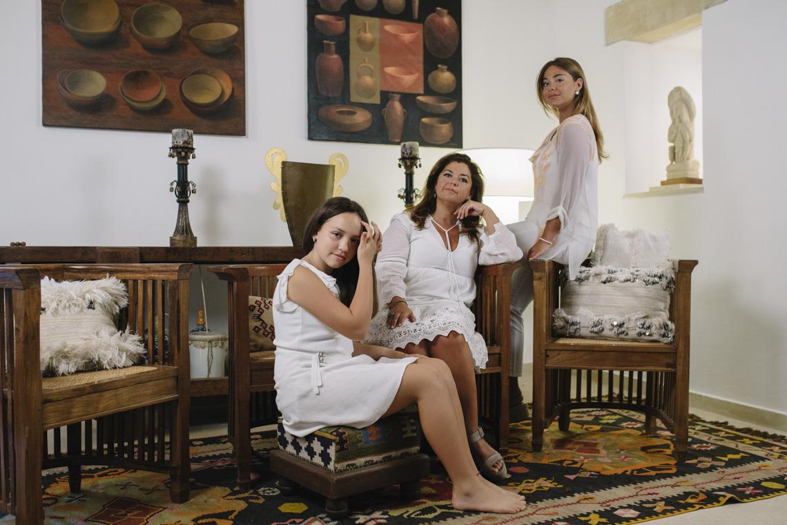 family portrait ritratto famiglia palazzotto residence winery matera sassi